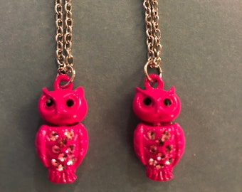 Buy1get1free-Two pink metal owl necklaces