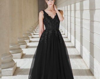 599e99e6c003a Black Queen - Selena Huan handmade black V-check lace light-weighted  low-back A-line gown wedding dress - Final Sale