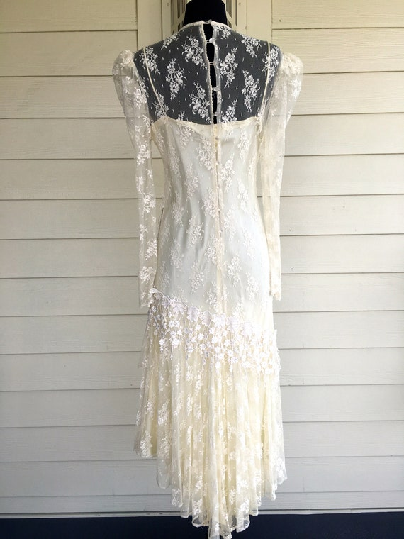 1980s Patra Cream Lace Dress - image 6