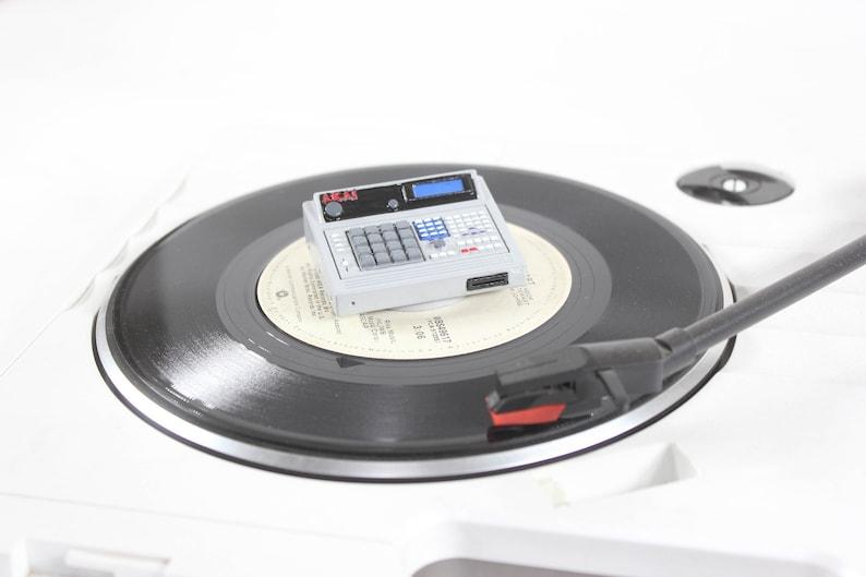 Mpc 60 MK2 45 RPM Adapter image 0