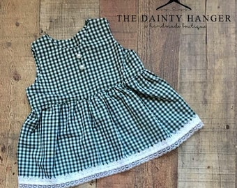 Vintage Style Baby Dress and Bloomer Set, Newborn Dress, Photography Prop, Baby Dress