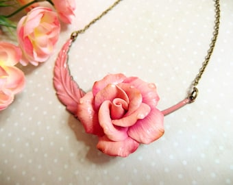 Feather necklace connector and its beautiful pink / pink necklace