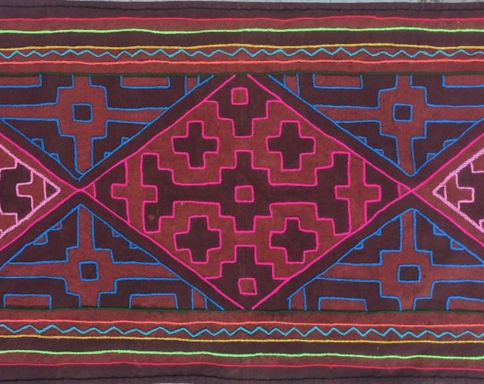 Ayahuasca SHIPIBO Ikaro table runner  handmade painted and embroidered  tapestry