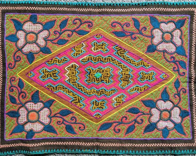 SHIPIBO altar cloth KENE mandala tapestry  handmade authentic tribal