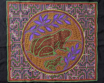 SHIPIBO KAMBO tapestry Frog Mom and baby Spirit Animals  inspired on  Ayahuasca vine vision shrine altar sacred cloth