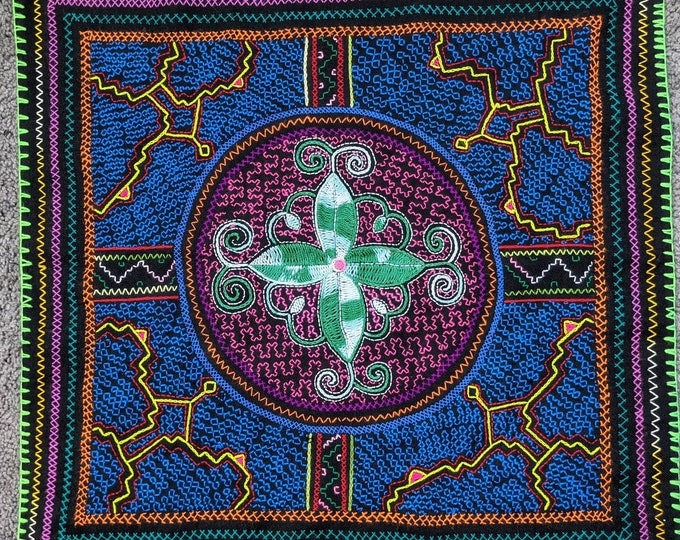 SHIPIBO tapestry FLOWER of LIFE inspired on  Ayahuasca vine vision shrine altar sacred cloth