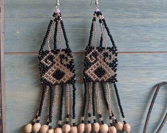 Aunthentic SHIPIBO long  KENE  pattern beaded  EARRINGS with seeds of Amazon