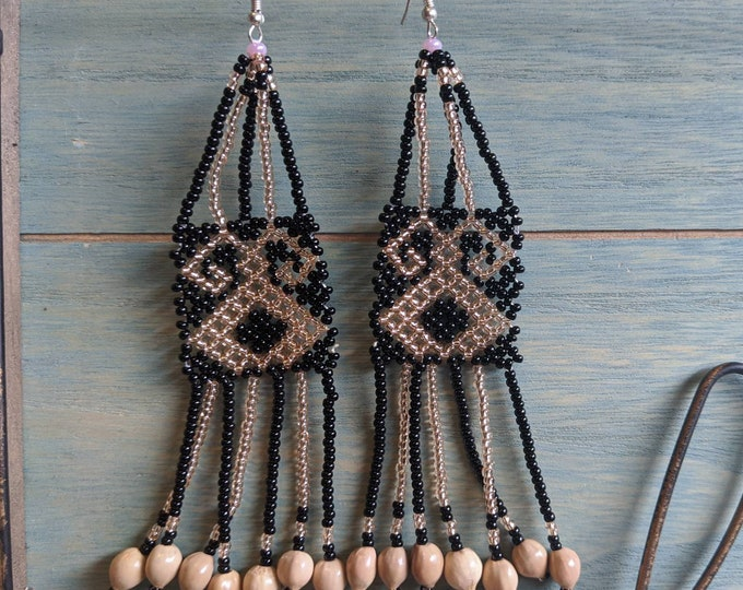 Aunthentic SHIPIBO long  KENE  pattern beaded  EARRINGS with seeds of Amazon