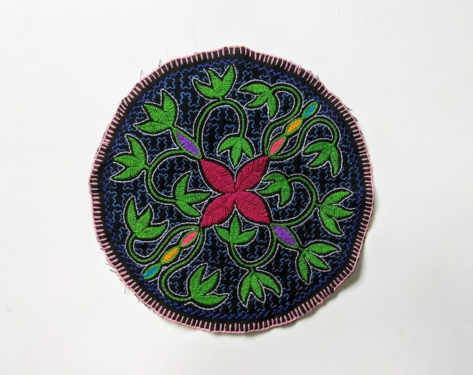TOBACCO SHIPIBO round tapestry flower of life  cloth patch