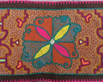 Authentic IKARO SHIPIBO Flower of Life  Maya Kene patterns  handmade embroidery tapestry