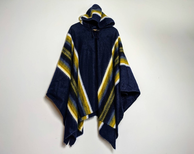 HOODED ALPACA PONCHO unisex shamanic ceremonial outfit Andean Peruvian cape high quality soft combed fiber.