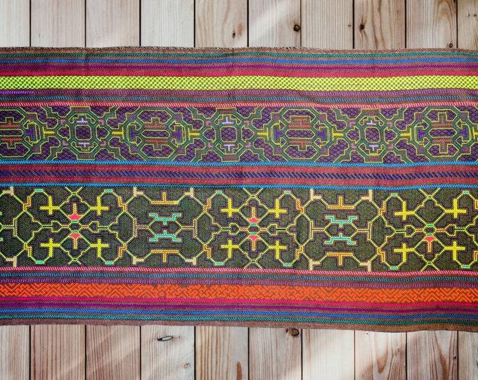 Altar Cloth Large SHIPIBO SACRED TAPESTRY skirt Maya Kene Kewe ancestral milenial information Authentic tapestry