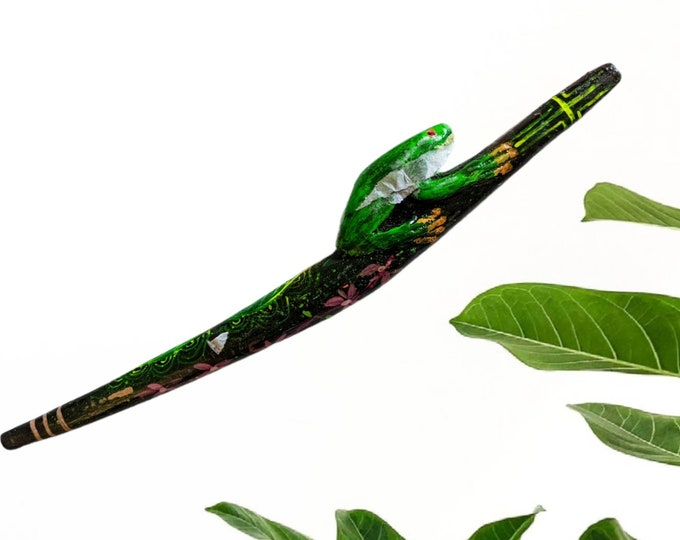 FROG KURIPE TEPI Kambo carved and painted psychedelic art  rapé japé jape hapé  one to one sharing  applicator one of a kind