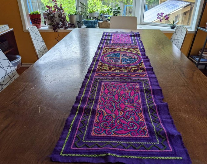 AYAHUASCA KENE large SHIPIBO table runner authentic tribal  shamanic tapestry sacred altar embroidered cloth