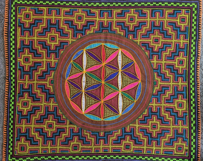 Large  SHIPIBO tapestry FLOWER of LIFE Xao  Kené Ancestral Amazonian information Milenial design