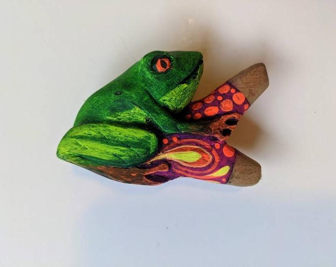 One of a kind FROG KAMBO Carved and painted psychedelic art  rapé japé jape hapé kuripe tepi self applicator