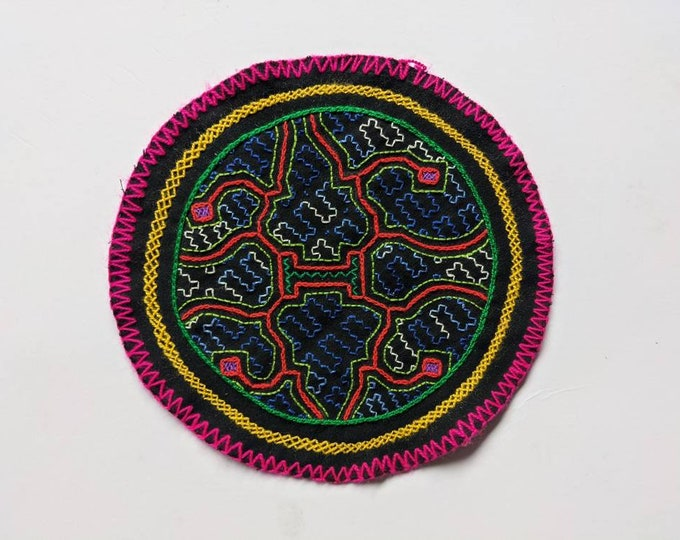 SHIPIBO Patch round embroidered tapestry 19.5 cms / 7.75 in