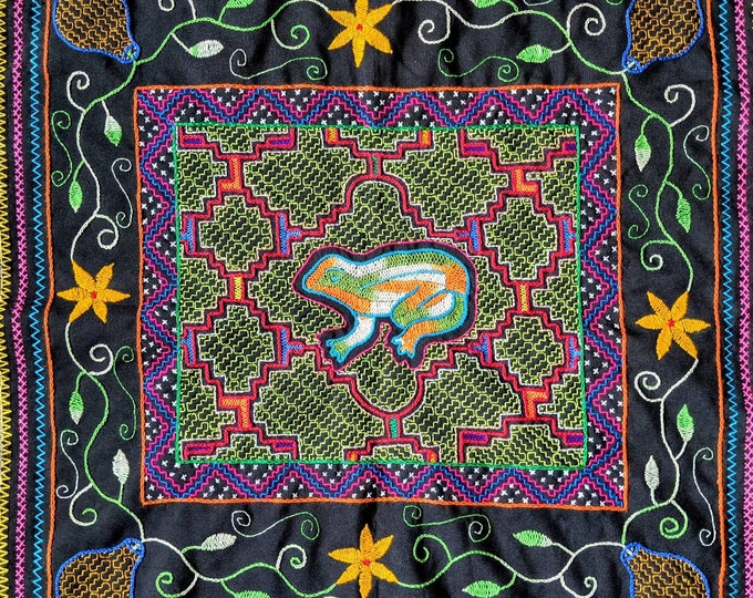 SHIPIBO KAMBO tapestry Frog Spirit Animals  inspired on  Ayahuasca vine vision shrine altar sacred cloth