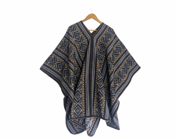 INKA Q'ERO PONCHO authentic unisex shamanic ceremonial outfit Andean Cuzco Peruvian gray cape