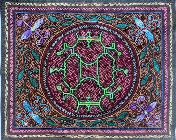 SHIPIBO embroidered tapestry MAYA KENE  Ayahuasca icaro altar ceremonial cloth