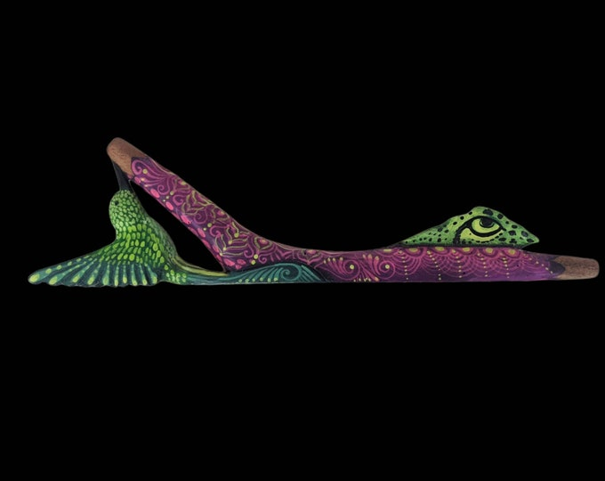 One of a kind HUMMINGBIRD  Carved and painted psychedelic art  rapé japé jape hapé kuripe tepi one to one applicator