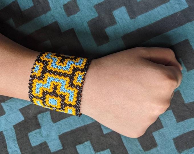 BEADED SHIPIBO  Bracelet ancient wisdom information