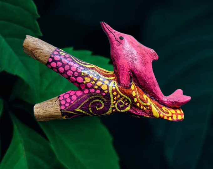 One of a kind PINK DOLPHIN Carved and painted psychedelic art  rapé japé jape hapé kuripe tepi self applicator