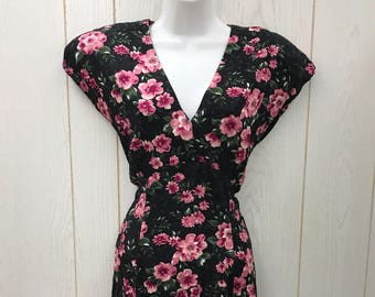 Vintage 80s 1980s Black Floral Print Dress Shoulder Pads V-Neck Pink Flowers Size Medium