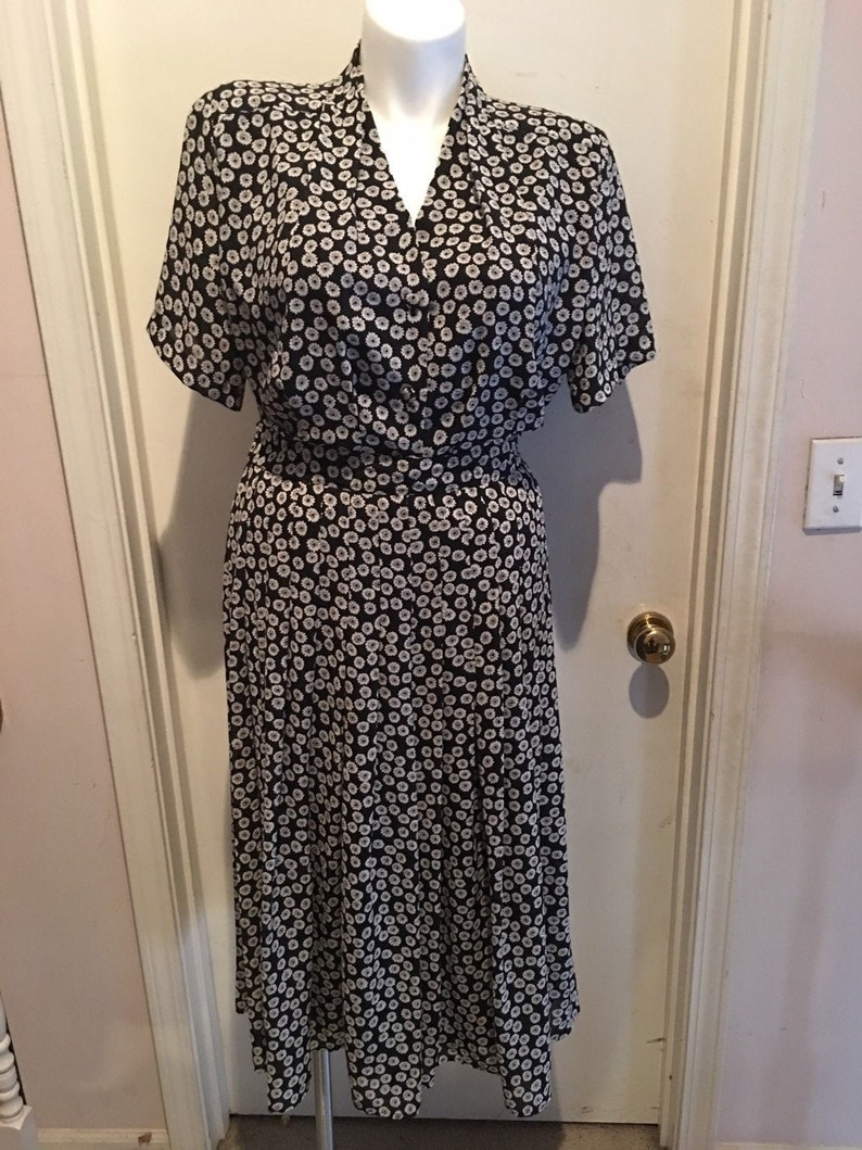 Vintage size 16 1980s CHAUS 100/% POLYESTER 2PC DRESS Black and white floral print w elastic waist