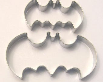 2 size Batman Cookie Cutter Set Fondant Biscuit Pastry Stainless Steel Baking Mold