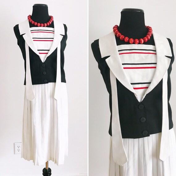 1960s Vintage Sailor Suit. Ladies sailor outfit. V