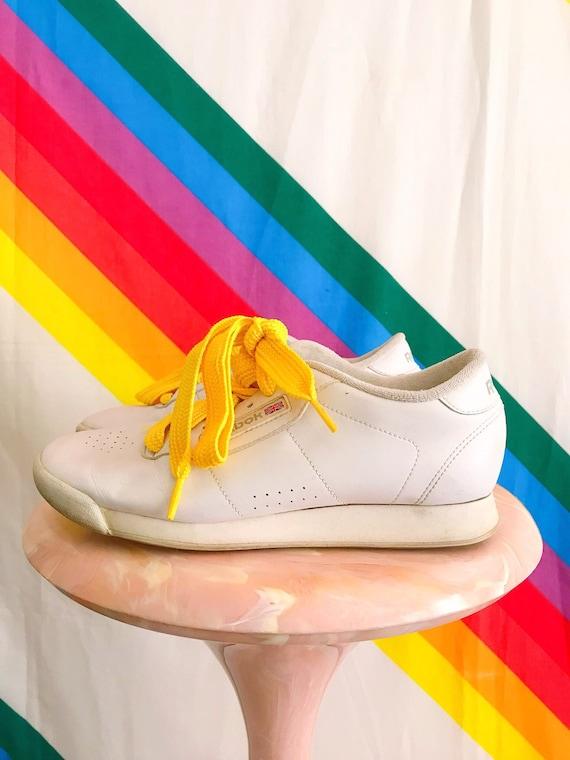 90s Vintage Reebok White Padded Sneaker - Vintage