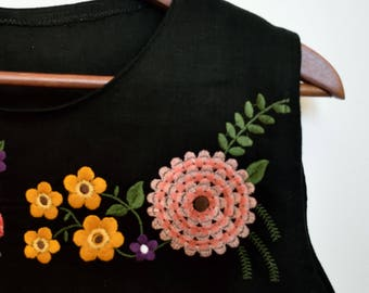 Floral embroidery design,Satin embroidery,embroidery design,Machine embroidery,Colorful Embroidery,Flower embroidery,crewel emboidery