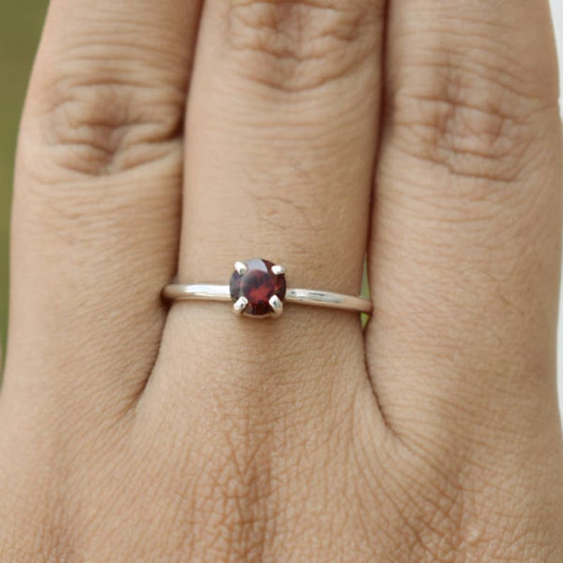 Red Garnet Ring-Round Shape 925 Solid Sterling Silver Ring-Anniversary Ring-Handmade Jewelry-January Birthstone Ring-Natural Red Garnet Ring