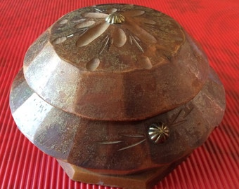 Small round box elder carved french vintage