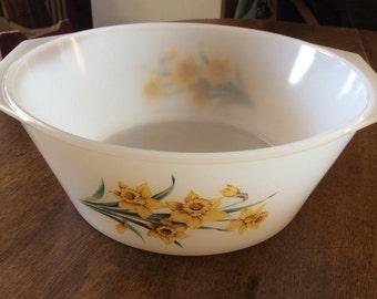 Salad Bowl Arcopal France vintage flowers