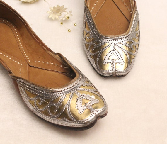 Women Leather Flat Shoes/Indian Shoes