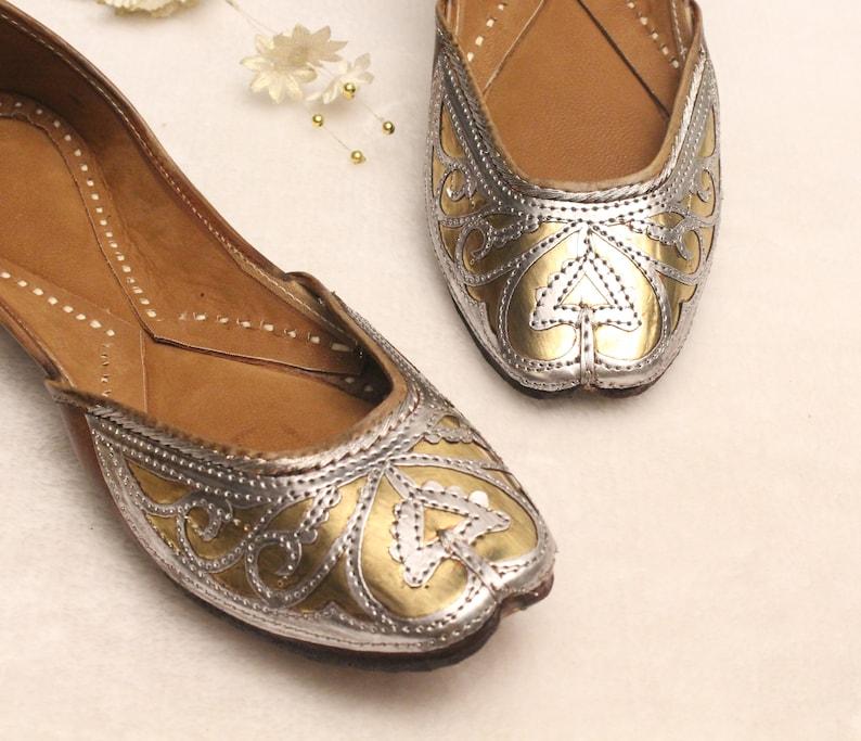 c0a179d0891dd Frauen Leder flache Schuhe/Indian Schuhe/Punjabi Jutti/Sommer  traditionellen flache Schuhe/Ballett Wohnungen/muslimischen Schuhe/Braut  Khussa Frauen ...