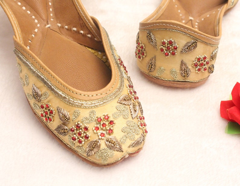 89ed6e6f3b7 Gold Bridal Wedding Shoes Women Lehnga Gold Jutti Shoes Indian