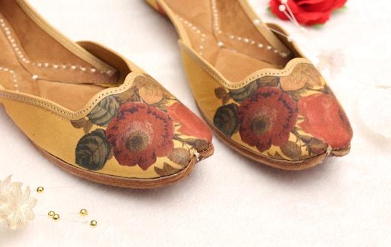 Women Shoes FlatsIndia Punjabi JuttiFlower Gold Nude Flat ShoesEveryday ShoesBallet FlatsKhussa ShoesUS Size 6,7,7.5,8.5,10