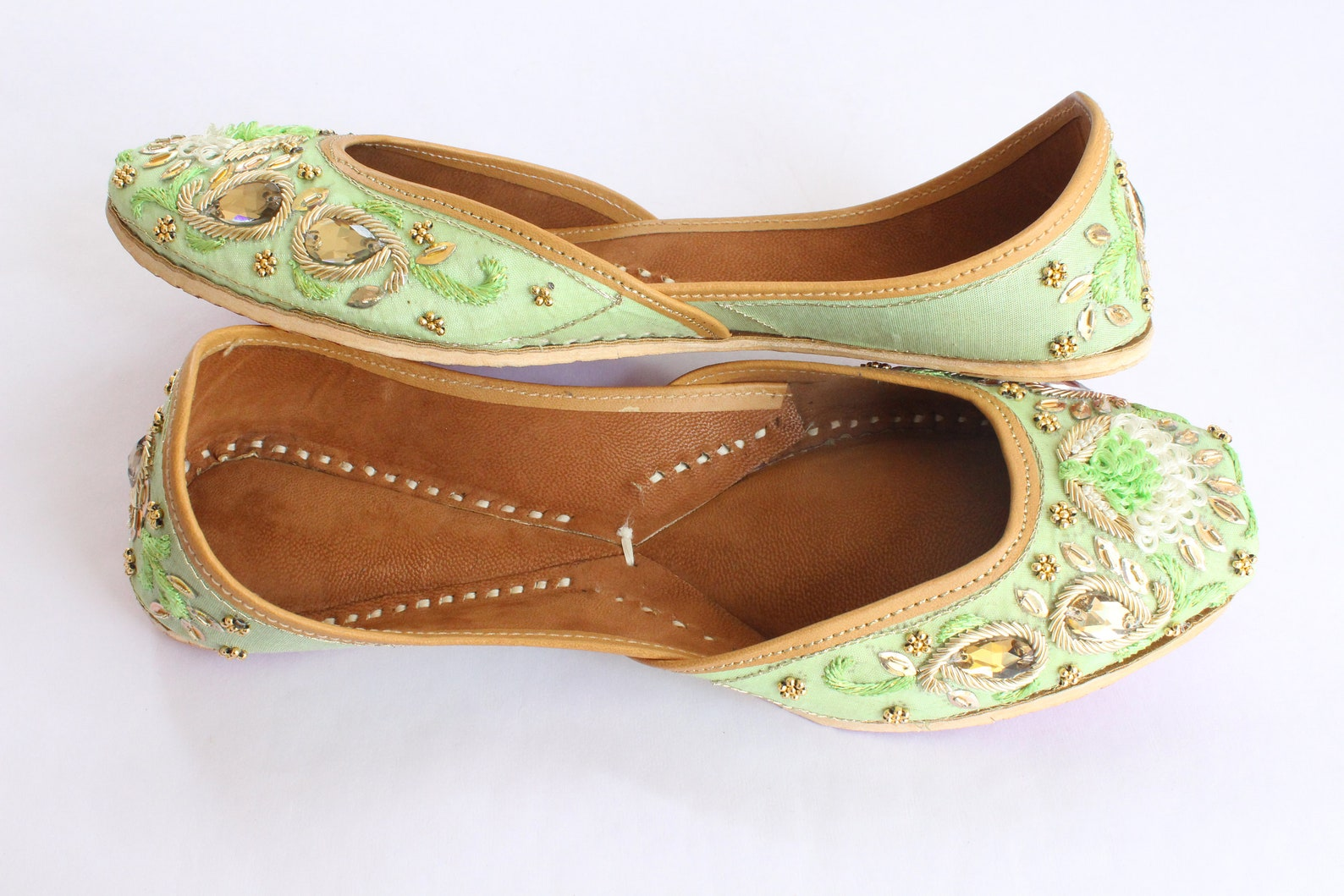 indian bridal wedding shoes/women green lehnga gold jutti shoes/wedding flats/ballet flats/jasmine shoes/khussa shoes/punjabi sh