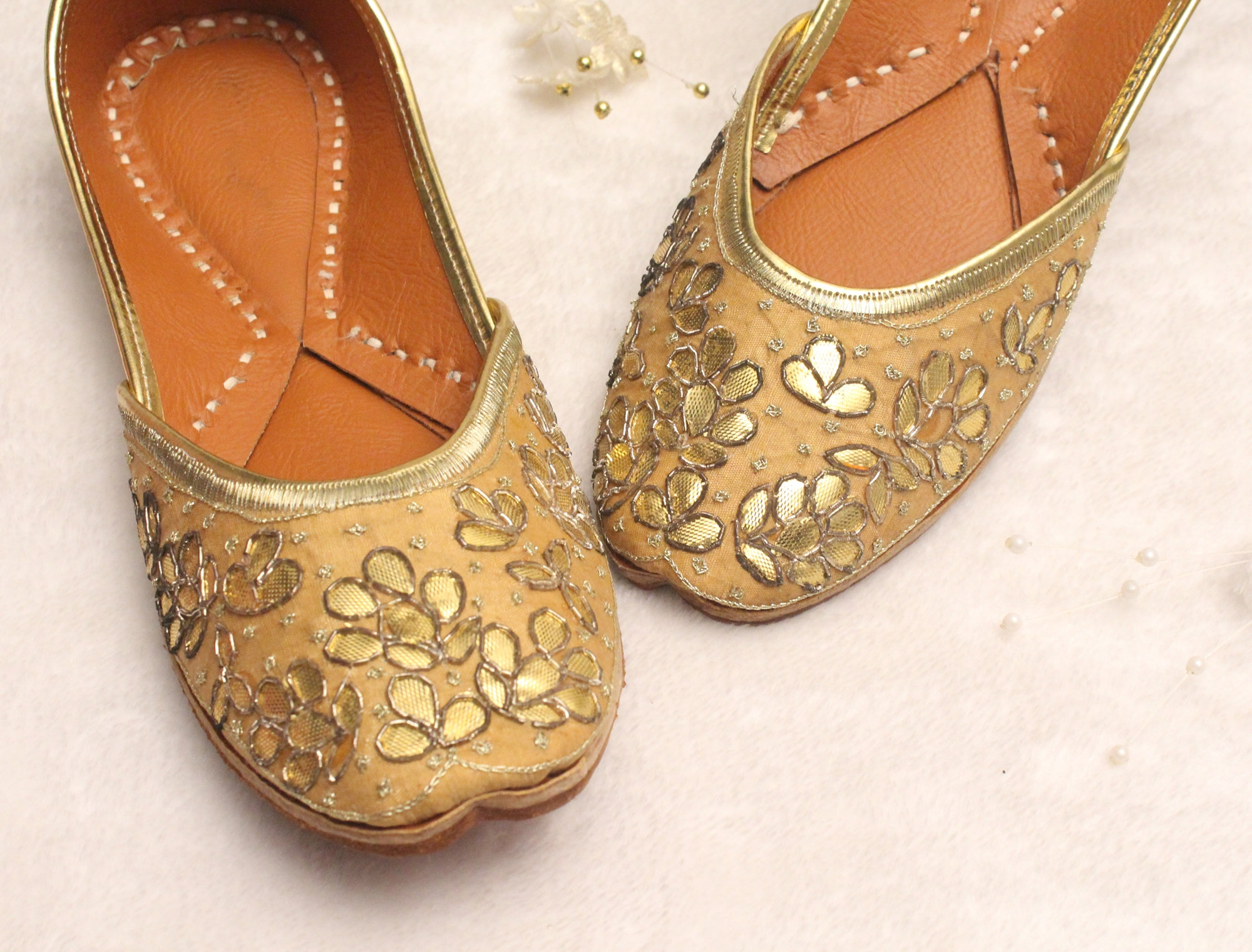 54d6a38dea8 Women Bridal Wedding Shoes Indian Gold Jutti Shoes Gold