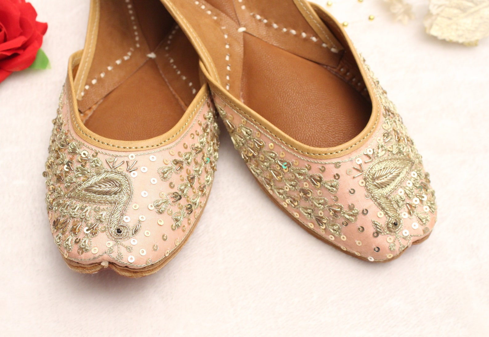 7f7067a89f4 Indian Bridal Wedding Shoes peacock Women Peach Lehnga Gold Jutti Shoes   Wedding Flats Ballet  khussa ...