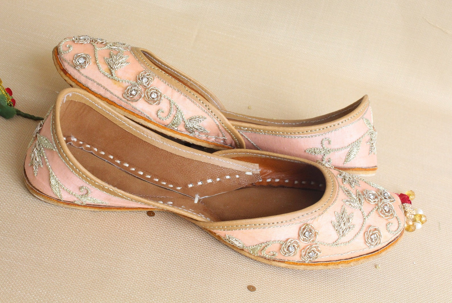 indian bridal wedding shoes/bollywood women peach lehnga gold jutti shoes/gold wedding ballet flats/khussa punjabi shoes us size
