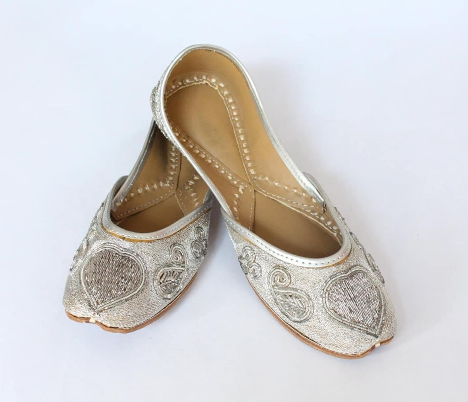 women bridal wedding shoes size 4.5/indian silver jutti shoes/silver wedding flats/silver ballet flats/jasmine shoes/khussa shoe