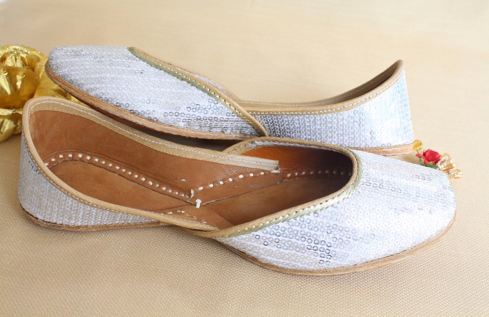 silver flat jutti shoes/bridal shoes/punjabi wedding white flats gift/women ballet slip on flats sandals/jasmine shoes/khussa/