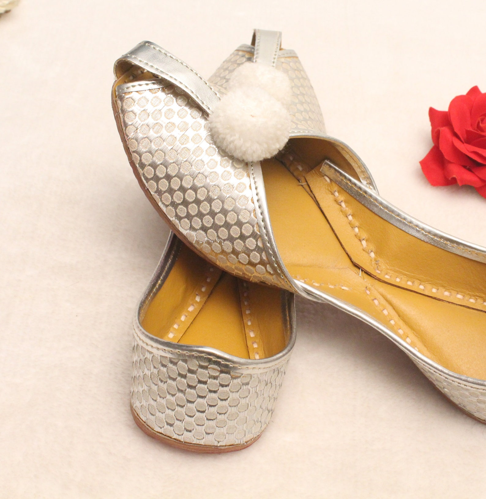 women bridal shoes/indian silver jutti shoes/silver wedding flats/silver laddu ballet flats/jasmine shoes/khussa shoes us size 5