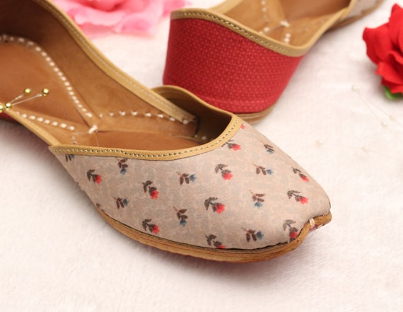 Indian Women Shoes FlatsIndia Punjabi JuttiFlower Flat Sandal ShoesBollywood Leather ShoesBallet FlatsKhussa ShoesUS Size 5,7.5,10