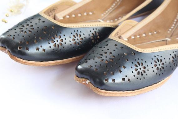 Indian Shoes Flats Punjabi Juttiindian Women Black Leather Etsy