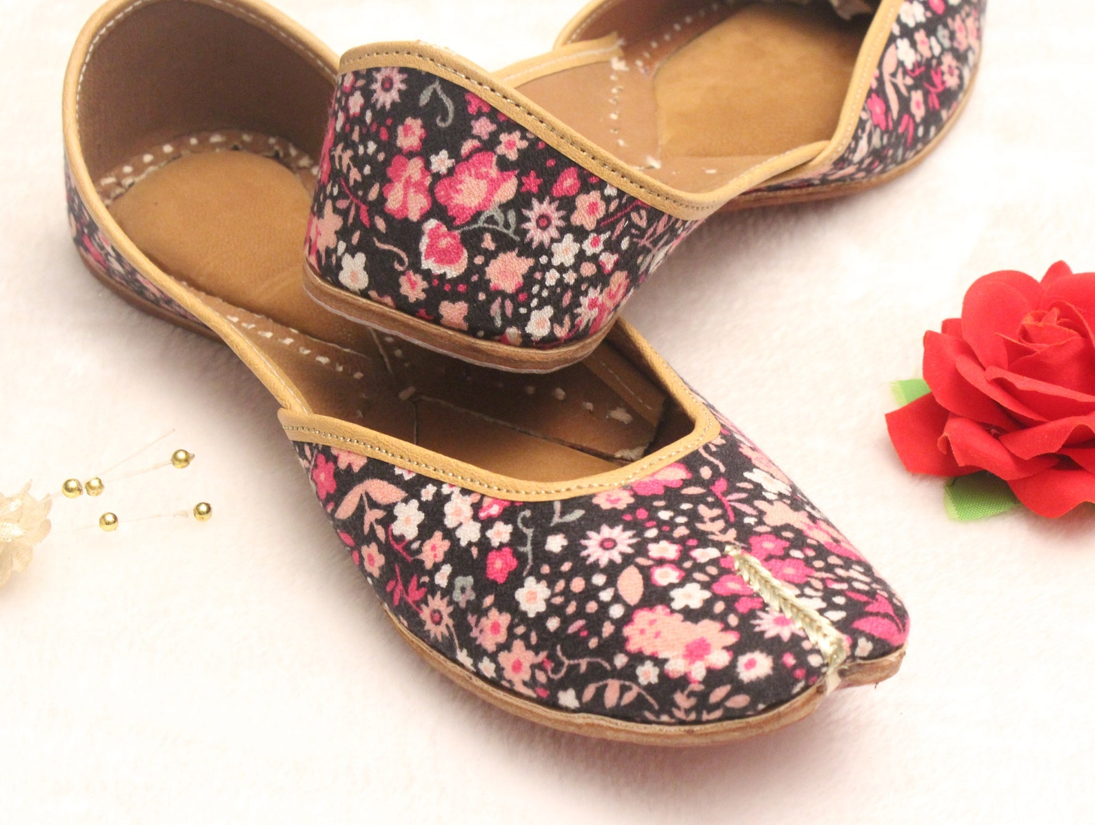 women shoes flats/punjabi jutti/floral flat shoes/indian leather shoes/ballet flats/muslim shoes/handmade bridal khussa women sa